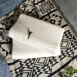 瑞莉安枕芯 乳胶枕护颈定型枕颗粒按摩平面波浪狼牙