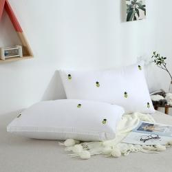 启艾 全棉贡缎绣花羽丝绒枕(小菠萝)枕芯 儿童枕芯
