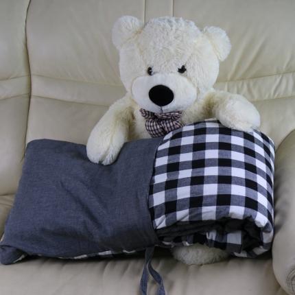 初舍  2018新款水洗棉抱枕被 黑白中格