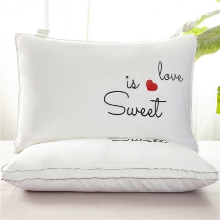 兴煌枕业 立体羽丝绒枕芯甜蜜的爱