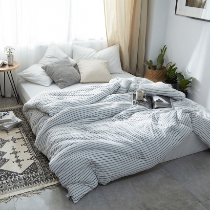 寐眠家纺 简约针织冬被 雅白细条