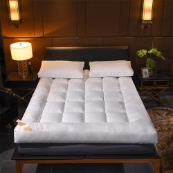 小胖妞 羽绒丝立体床垫 白色