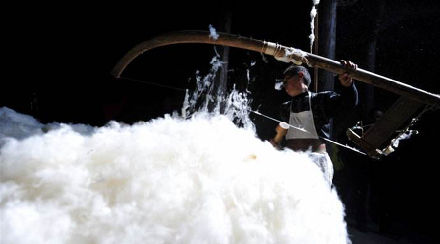 棉被确实是不能水洗的