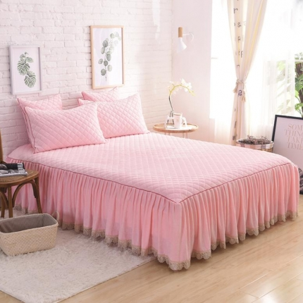 艾美玲家纺 水晶绒绗绣三件套床裙款 粉玉色