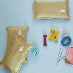 圣艺莱 2018新款60支全棉绣花儿童枕套胡桃夹子-柠檬黄
