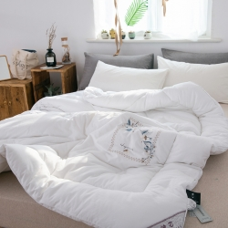 傲蕾良品高端专版60S缎纹纯棉刺绣立体冬被超柔软贴身保暖被子