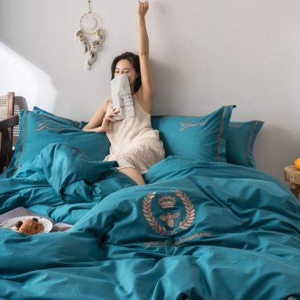 英镑家纺 2019新款简约全棉纯色床单款床笠款四件套模特图