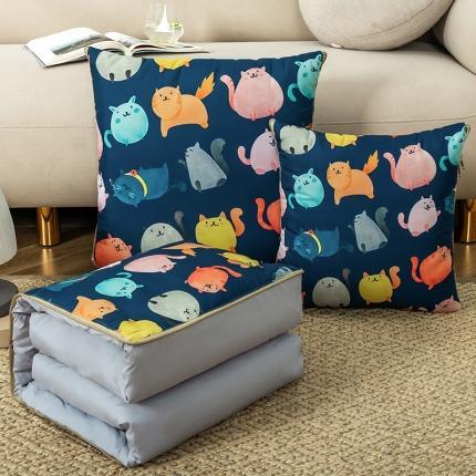 暖树家居 2020新款数码印花抱枕被叠拍图 小猫咪