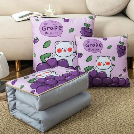 暖树家居 2020新款数码印花抱枕被叠拍图 小葡萄