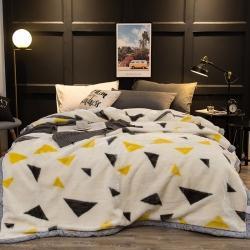 炣炣 2020新款拉舍尔经编毛毯休闲毯盖毯毯子 几何三角