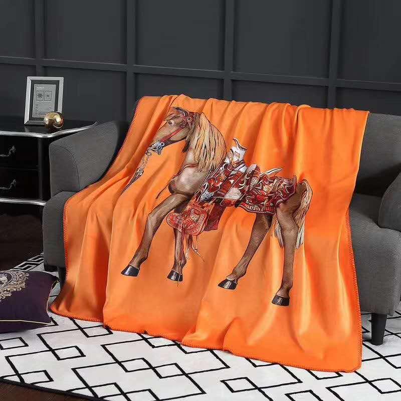 眠帛潮牌锦狐绒毛毯午睡毯北欧风小毯子单人空调毯盖毯(银狐绒) 圣殿骑士