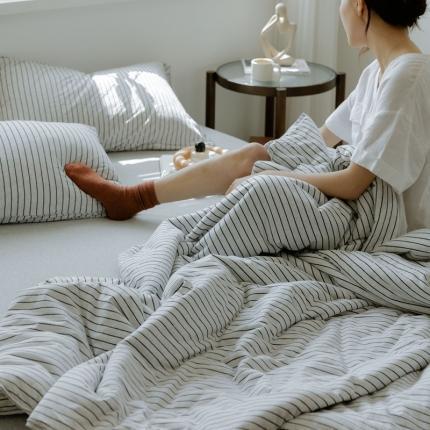 寐眠 2021新款纯色条纹针织棉夏被 雅白细条