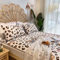 朵朵新2021牛奶绒乳胶保暖垫子三件套法莱绒床褥子床盖豹纹熊