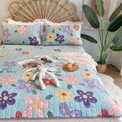 朵朵新2021牛奶绒乳胶保暖垫子三件套法莱绒床褥子床盖 花海