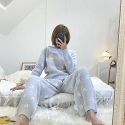 (总)纽约生活 2021新款五彩字母两色女款睡衣