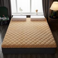 鑫博莱床垫 2021新款羊羔绒保暖床垫 驼色