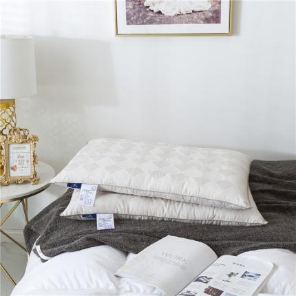 傲蕾良品功能性磁疗保健生命磁能量纤维枕酒店枕芯促进血液循环