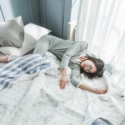 纯品家纺 ins风专版针织棉印花夏被 爱心浅蓝