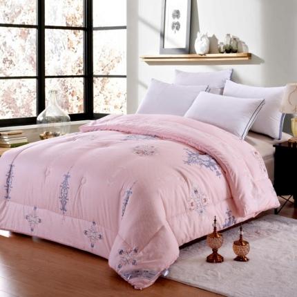 织美家纺 植物羊绒立体被粉色物语