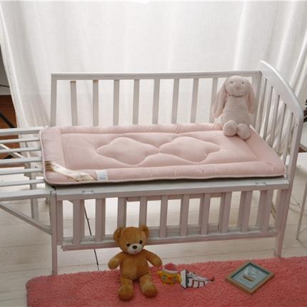 贝贝月家纺 婴幼儿床垫粉红色