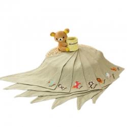 麥吻母嬰兒用品批發純棉創意繡花吸水嬰兒三角巾口水巾加工定制