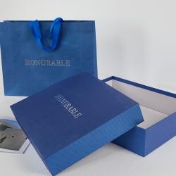 蓝珠光压纹四件套礼盒42*33*10cm(含手提袋)