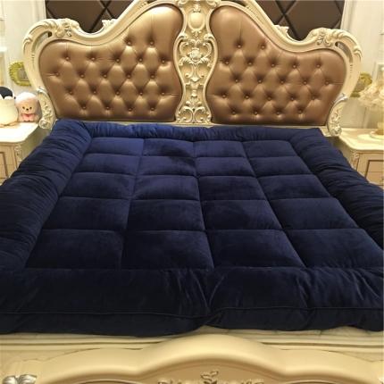 (总)星尚家纺 超柔绒立体面包格软床垫实拍