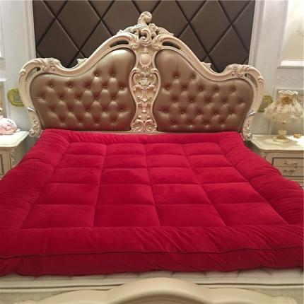 星尚家纺 超柔绒立体面包格软床垫实拍 洋气红
