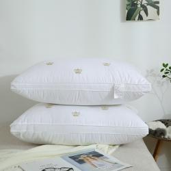 枕芯 全棉枕芯 全棉贡缎绣花羽丝绒枕(皇冠)枕芯 儿童枕芯