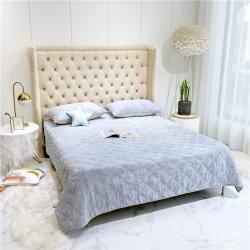 (总)要有光家居 牛奶绒单品床盖实拍图