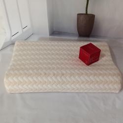 翔博家纺 2019年天然乳胶枕曲线狼牙颗粒按摩款全棉针织方格