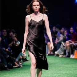 茵围 重磅真丝系列真丝手工压带裙玛瑙黑