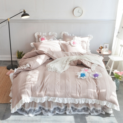 玉儿纺 2018全棉绗缝系列四件套床裙款-花仙子 浅驼色